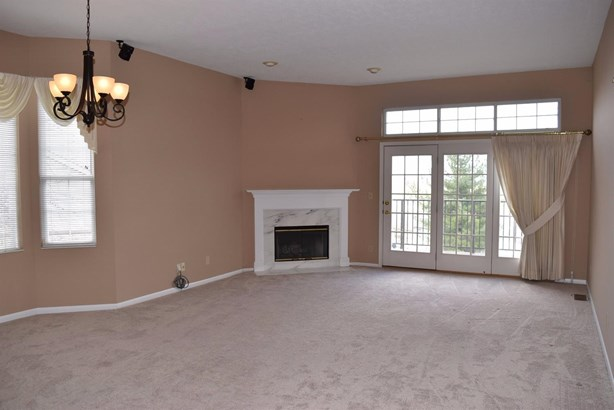 Condominium, Ranch - Cincinnati, OH (photo 3)