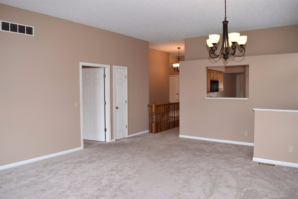 Condominium, Ranch - Cincinnati, OH (photo 5)