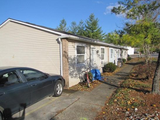 Apartment 5+ Units - Lynchburg, OH (photo 3)