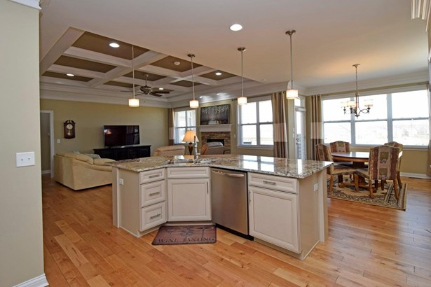 Single Family Residence, Ranch,Transitional - Union Twp, OH (photo 5)