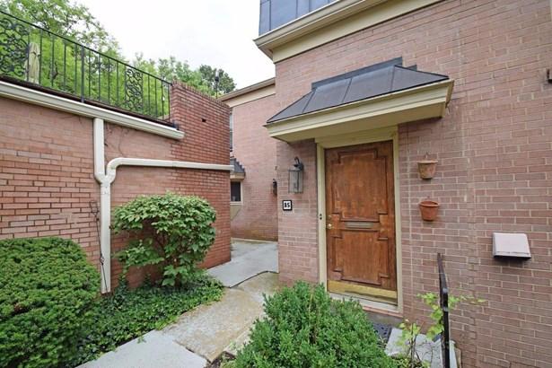 Transitional, Condominium - Cincinnati, OH (photo 2)