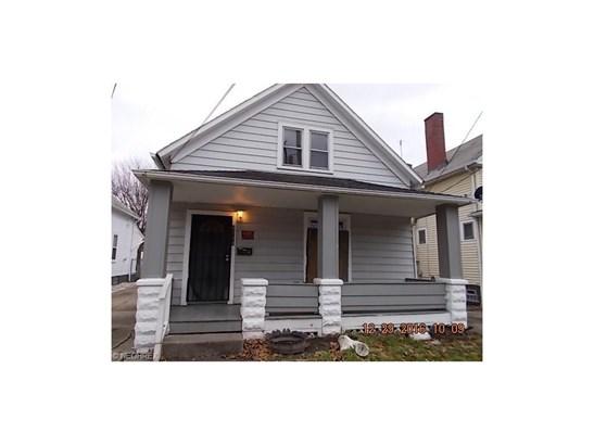 Bungalow, Single Family - Cleveland, OH (photo 1)