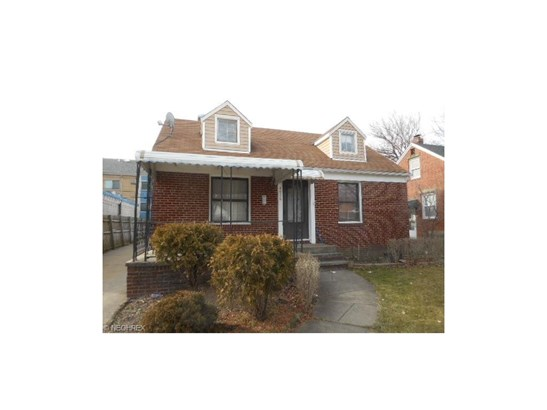 Bungalow, Single Family - Cleveland, OH (photo 1)