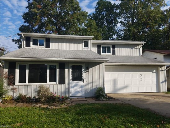 Colonial, Single Family - North Ridgeville, OH (photo 1)