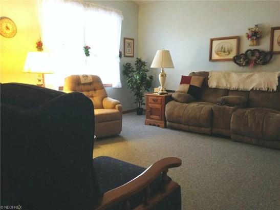 Condominium, Ranch - Conneaut, OH (photo 2)
