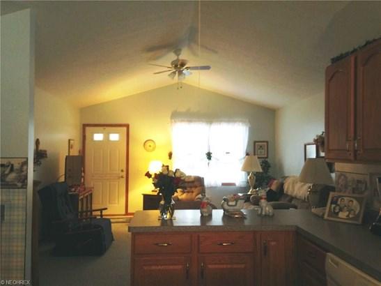 Condominium, Ranch - Conneaut, OH (photo 3)