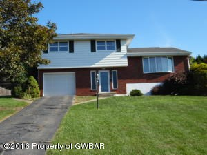 105 Maple Ln, Pittston, PA - USA (photo 1)