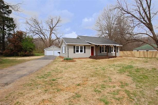Bungalow, Stick/Site Built - Lexington, NC (photo 1)