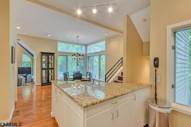 Chalet,Contemporary, Detached - WINTERGREEN RESORT, VA (photo 3)