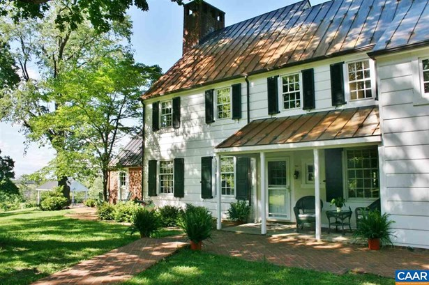 Farm House, Detached - WAYNESBORO, VA (photo 1)