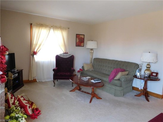 327 Orchard Ave, Niles, OH - USA (photo 5)
