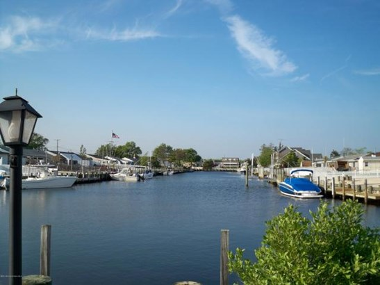 219 Bay Shore Drive , Barnegat, NJ - USA (photo 2)