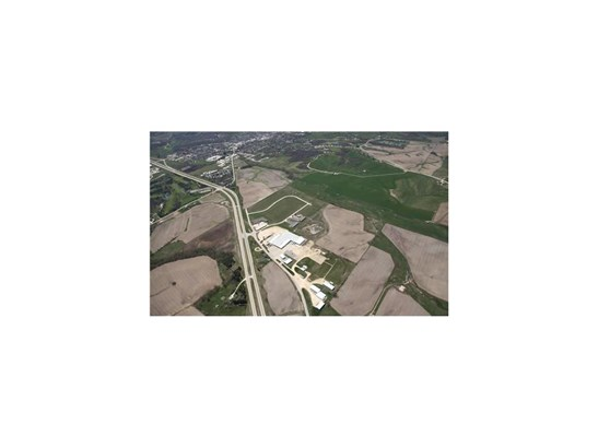 Lot 25 Anamosa Commercial Park, Anamosa, IA - USA (photo 2)