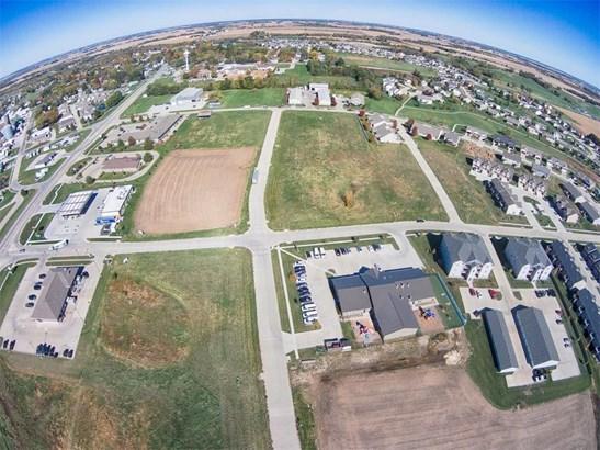 502 Windflower Lane, Solon, IA - USA (photo 4)