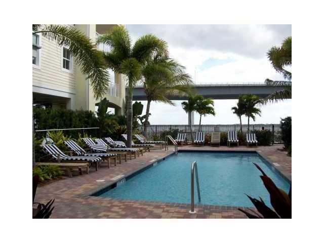 Condo/Coop - Stuart, FL (photo 3)