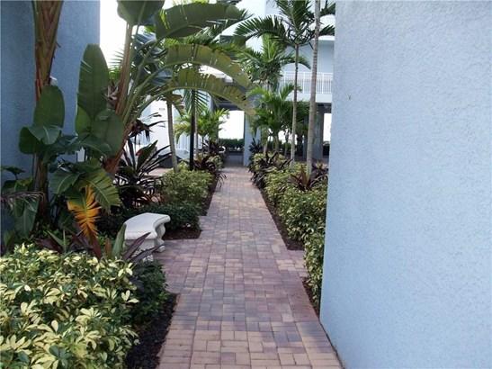 Condo/Coop - Stuart, FL (photo 4)