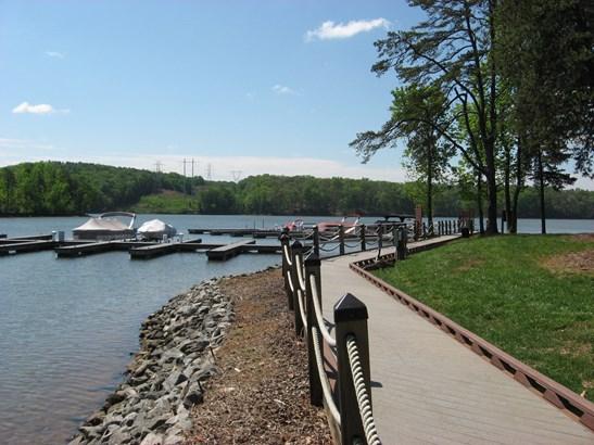 3305 Lake Pointe Drive, Belmont, NC - USA (photo 5)