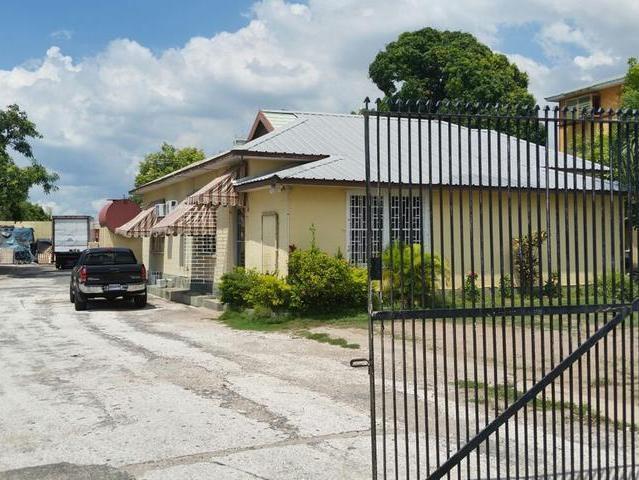 Worthington Ave, Kingston - JAM (photo 1)
