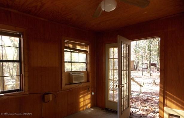Residential/Single Family - Senatobia, MS (photo 4)