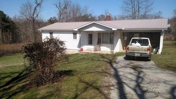 Residential/Single Family - Jamestown, TN (photo 3)