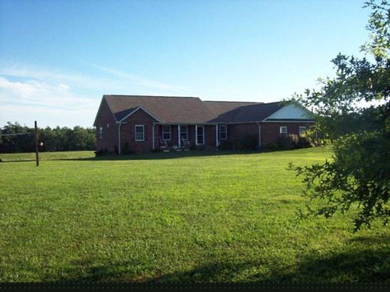Residential/Single Family - Allardt, TN (photo 1)