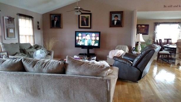 Residential/Single Family - Allardt, TN (photo 3)