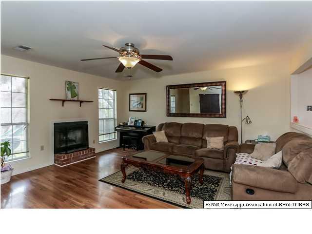 Residential/Single Family - Horn Lake, MS (photo 2)