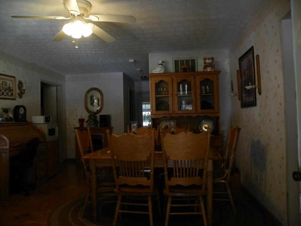 8709 State Road Fork, Prestonsburg, KY - USA (photo 5)