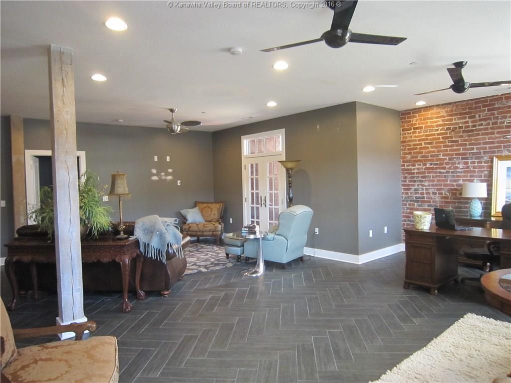 1214 Smith Street 303, Charleston, WV - USA (photo 2)