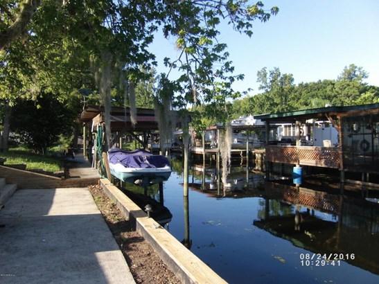 136 Creekside , Satsuma, FL - USA (photo 1)