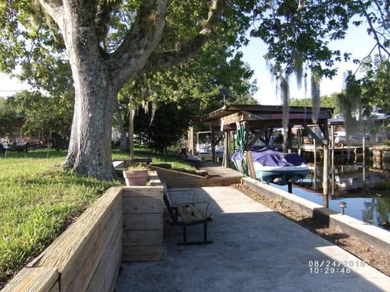 136 Creekside , Satsuma, FL - USA (photo 4)