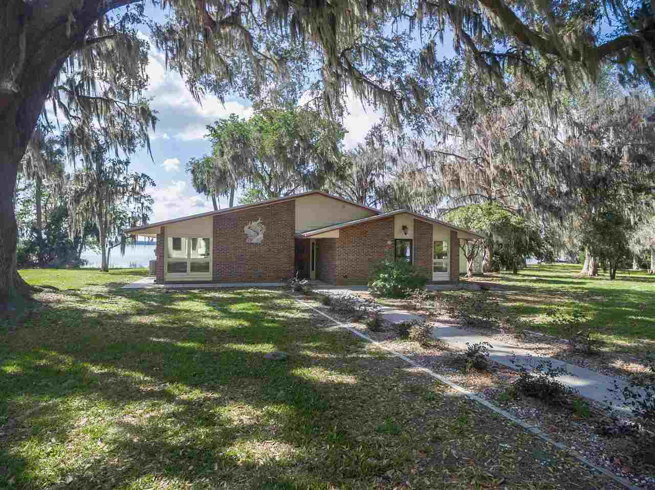 381 River Road , East Palatka, FL - USA (photo 1)
