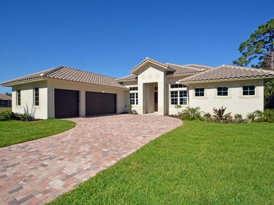 560 Caroline Drive, Vero Beach, FL - USA (photo 1)