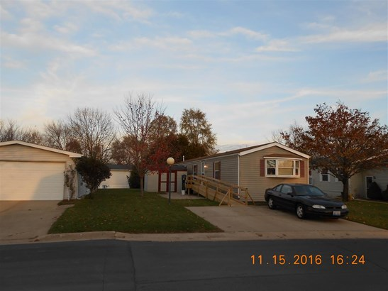 Mobile Home, House - BELVIDERE, IL (photo 2)