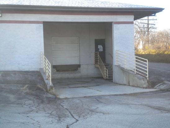Loading Dock (photo 2)