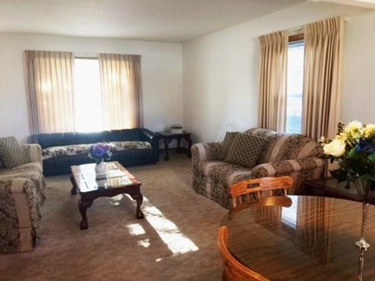 Livingroom 2 (photo 4)