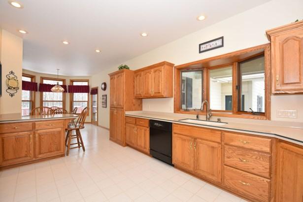 Oak Cabinets (photo 5)