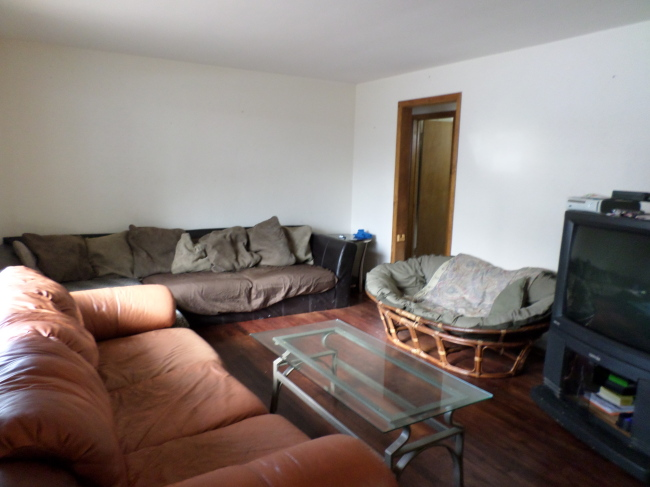 Front house Family room (photo 5)