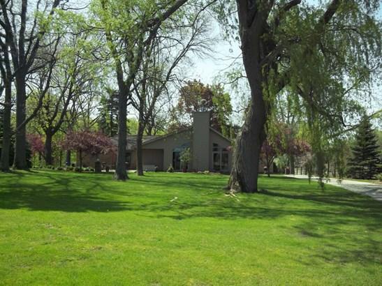 Parklike setting (photo 3)