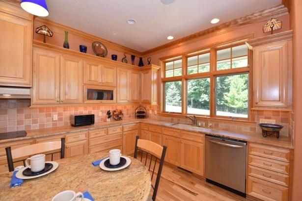 Kitchen 2 (photo 4)