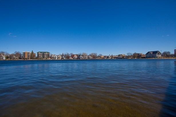 Shore View (photo 5)