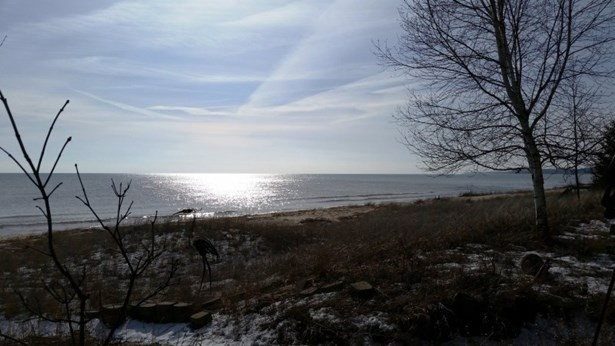 Winter Beach View (photo 4)