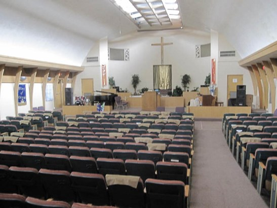 Worship Space (Nave) (photo 2)
