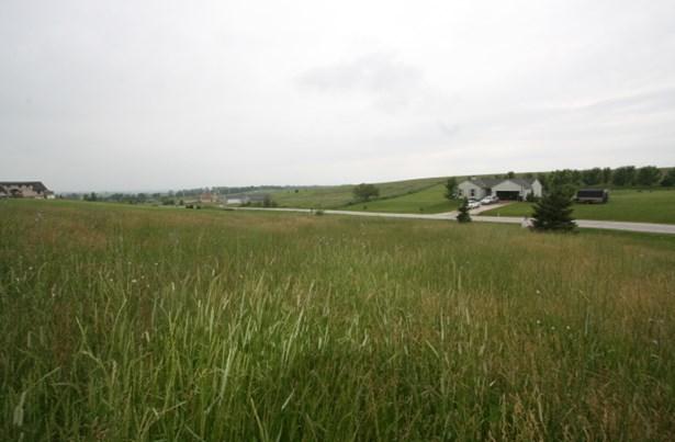 Located on a cul de sac (photo 3)