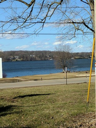 Walk Around Delavan Lake! (photo 4)