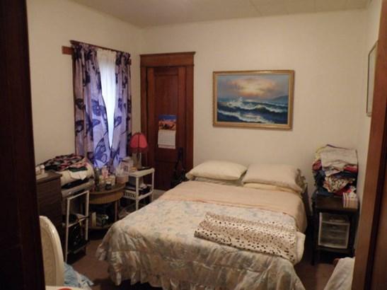 Main Floor Unit Bedroom (photo 2)