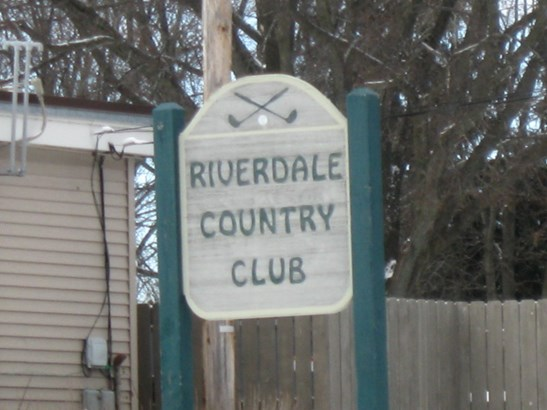 Riverdale Country Club (photo 4)
