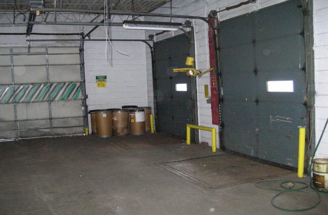 Inside Docks With Levelers (photo 3)