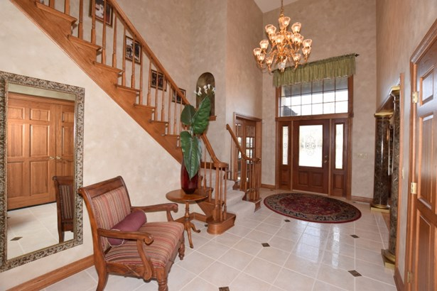2 Story Grand Entry (photo 2)