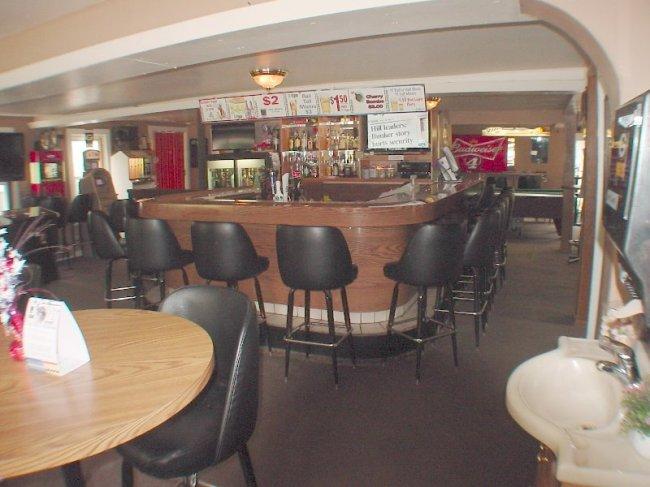 Interior Bar (photo 3)